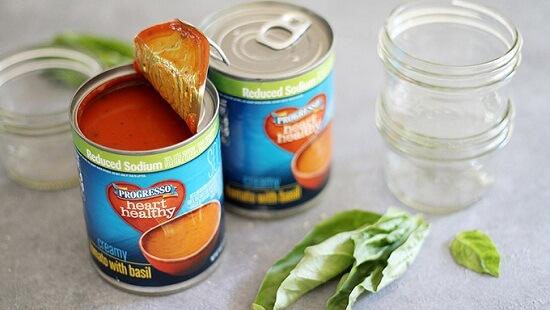 cách làm xiên bánh mì phô mai nướng mini với súp cà chua 2