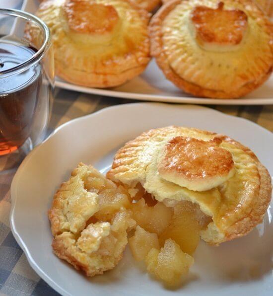 bánh sữa chua nhân táo thơm ngon đặc biệt