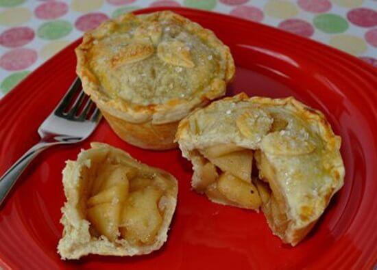 bánh sữa chua nhân táo đơn giản