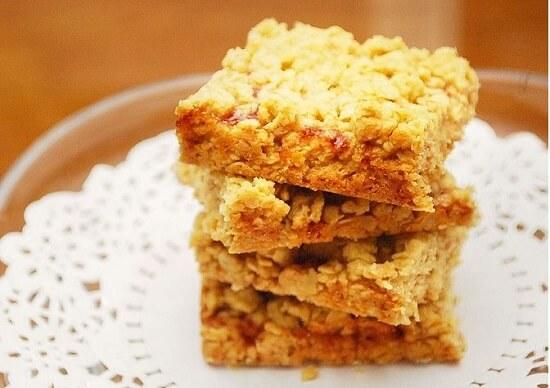 bánh ngũ cốc vị mứt thơm ngon