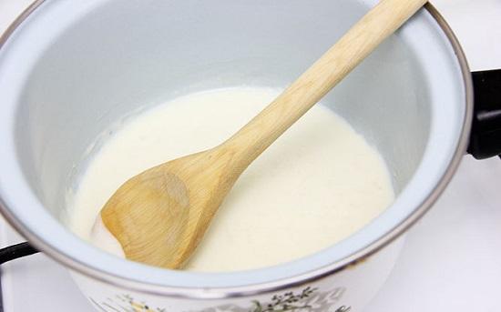 đun hỗn hợp sữa tươi