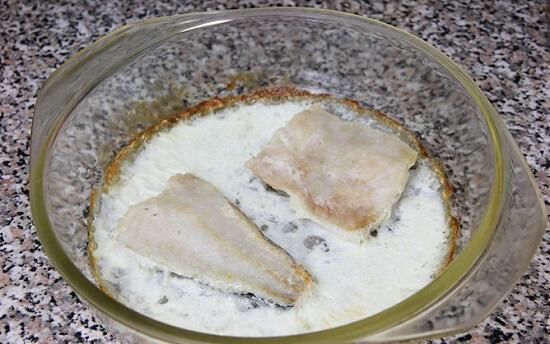 di chuyển thịt cá hồng trong nồi