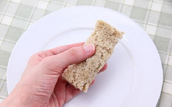 ghim chặt bánh mì