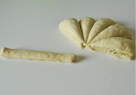 nặn bánh thành hình que