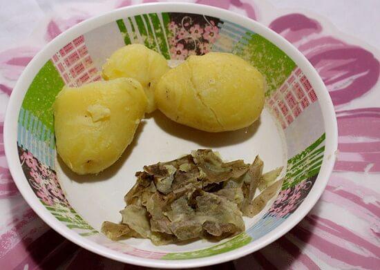 bóc vỏ khoai tây