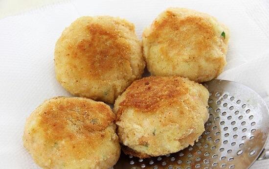 bánh cá hồi với khoai tây nghiền