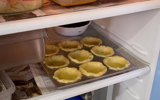 cho bánh vào tủ lạnh