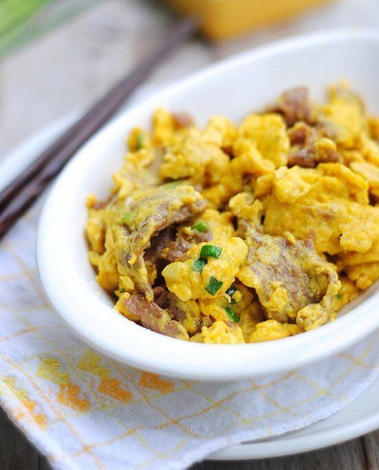 thịt bò xào trứng thơm ngon