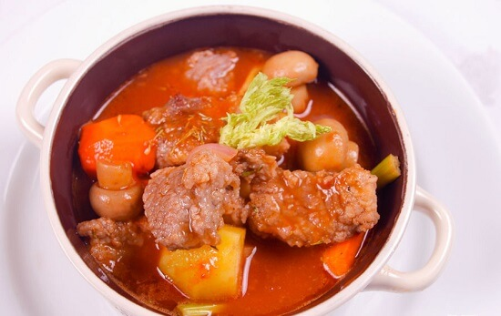 thịt bò hầm nấm kiểu Pháp