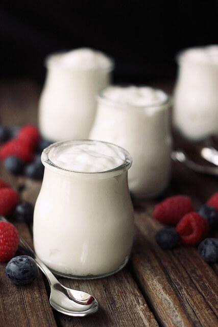 Cách làm sữa chua sữa dừa ngon lạ ngày hè 4