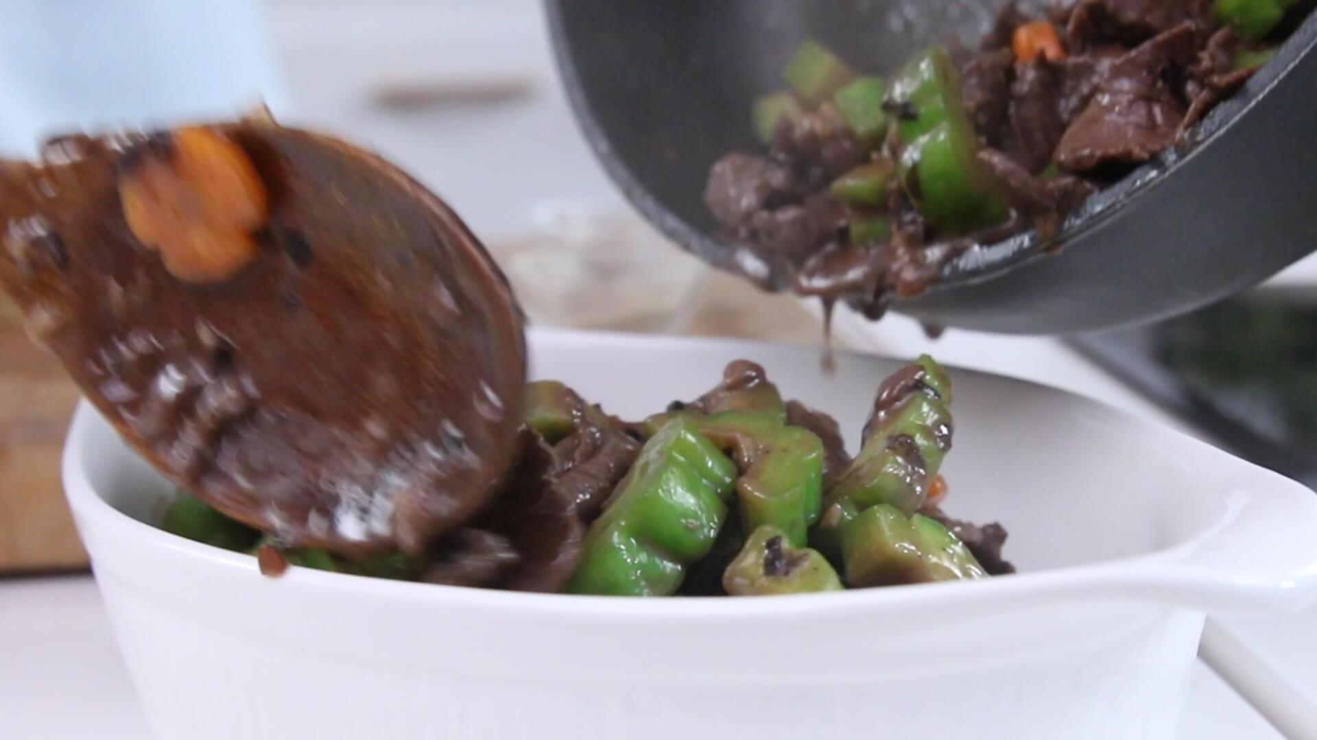 Cách nấu thịt bò xào mướp đắng ngon cơm cho cả gia đình 14
