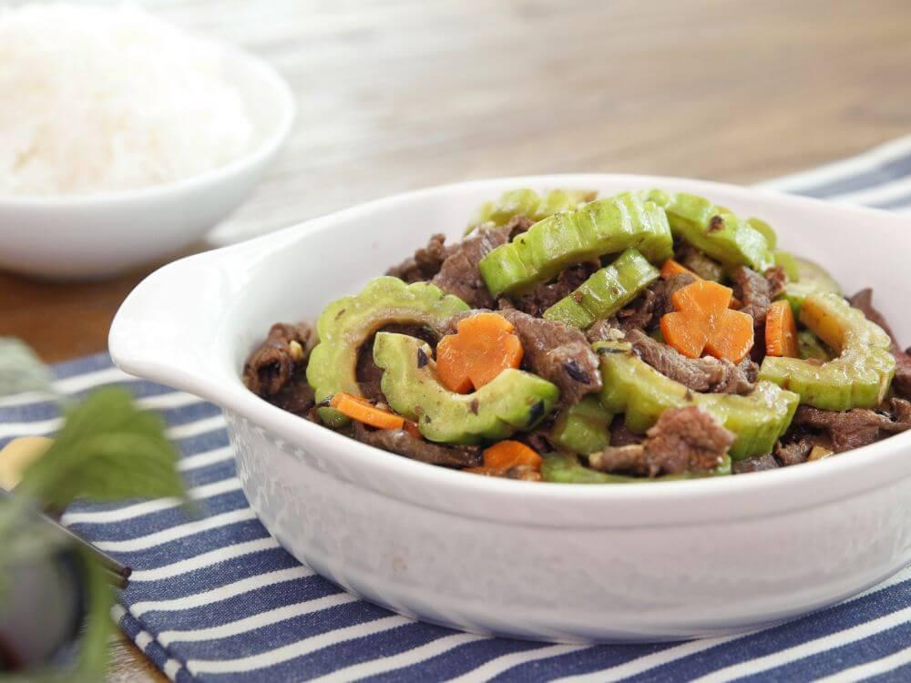 Cách nấu thịt bò xào mướp đắng ngon cơm cho cả gia đình 1