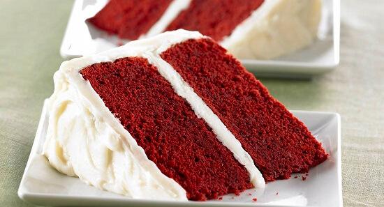 bánh bông lan màu đỏ nhung hấp dẫn