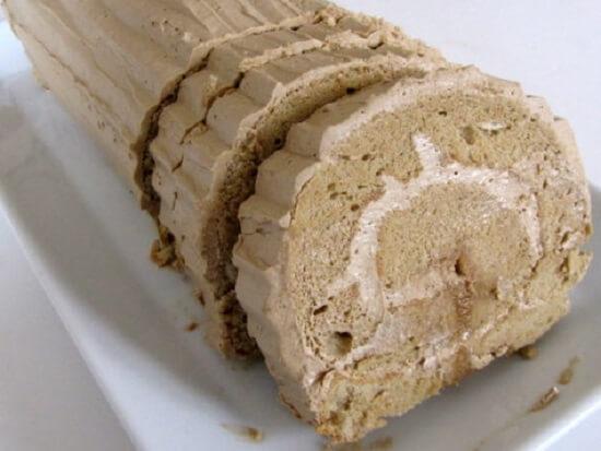 bánh cuộn kem mocha