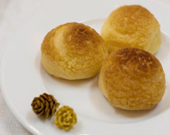 banh-su-kem-nhan-custard-1