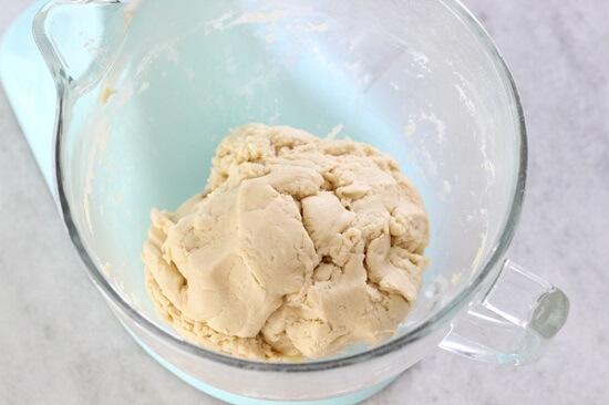 trộn bột mì