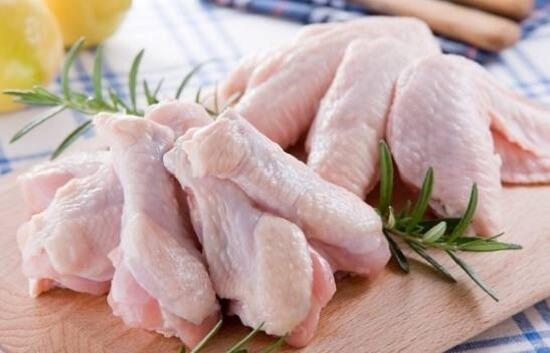 gà hầm ngải cứu,cách nấu gà hầm,cách làm gà rút xương,gà rút xương nhồi jambon, 2 cách chế biến thịt gà cho cả nhà thích mê