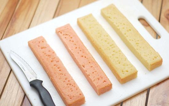 cắt bánh thành 4 phần