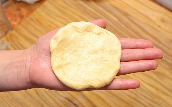 dàn mỏng bột bánh