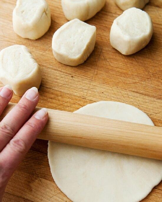 Lăn bánh - cách làm bánh bao