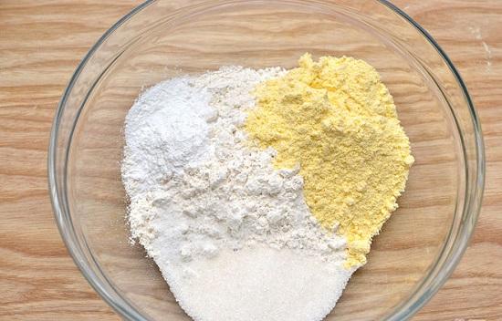 trộn các loại bột khô