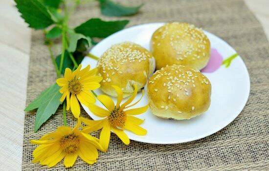 bánh nướng nhân đậu đỏ của Trung Quốc