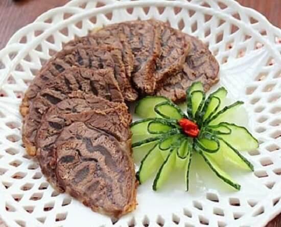 Cách làm bắp bò kho mật mía 1