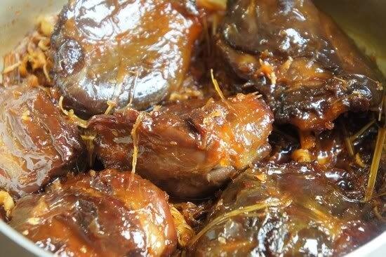 Cách làm bắp bò kho mật mía 5