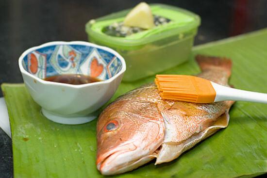 Các bước làm món cá hấp chuối