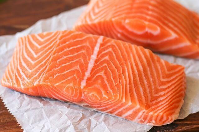 cách làm cá hồi nướng tiêu ngon cơm bữa tối đơn giản