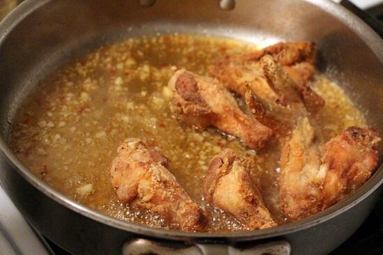Cách làm cánh gà chiên nước mắm tỏi siêu ngon