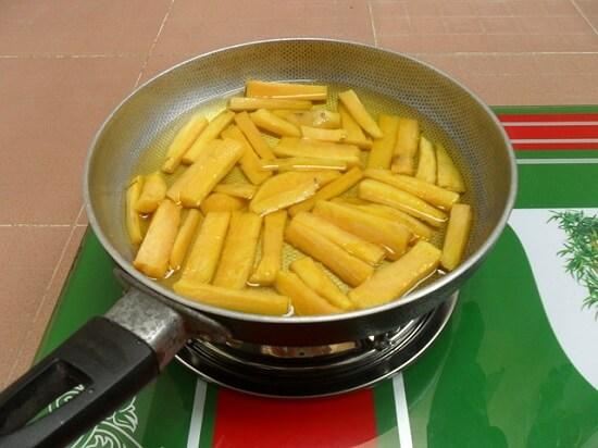 rán khoai lang làm khoai lang chiên bơ