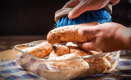 Cách làm khoai lang nướng bằng lò nướng bánh 3