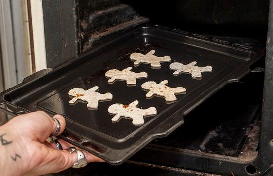 Cách làm bánh nướng rau trộn cho bé biếng ăn 8