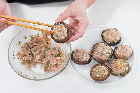 Cách làm nấm hương nhồi thịt ngon cơm cho bữa tối chi tiết