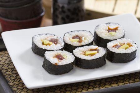 Cách làm Sushi Futomaki đúng kiểu Nhật Bản 1