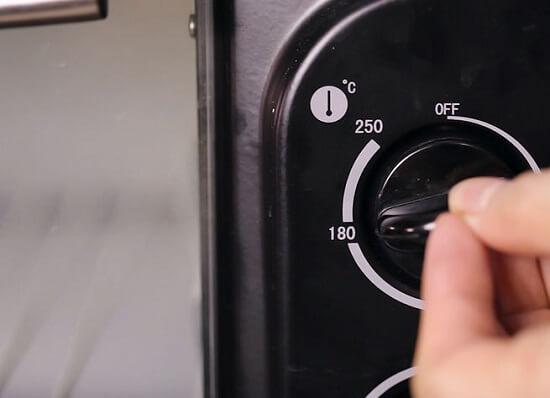 làm nóng lò nướng