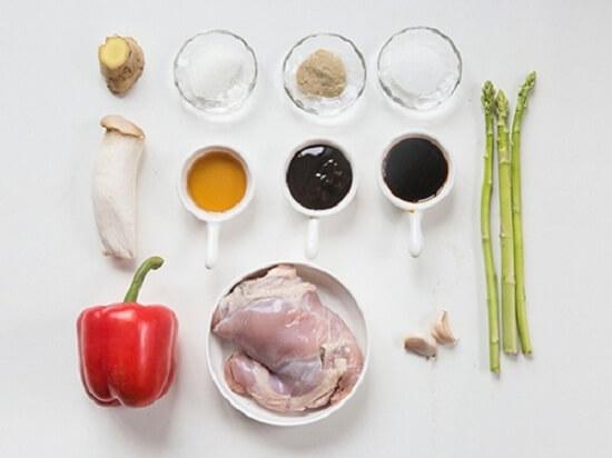 Cách làm món thịt gà xào nấm đơn giản mà ngon