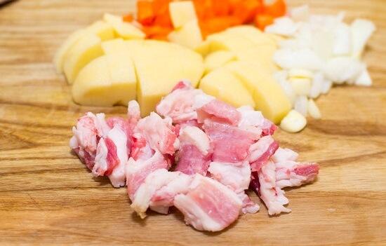Cách nấu canh khoai tây thịt heo ngon