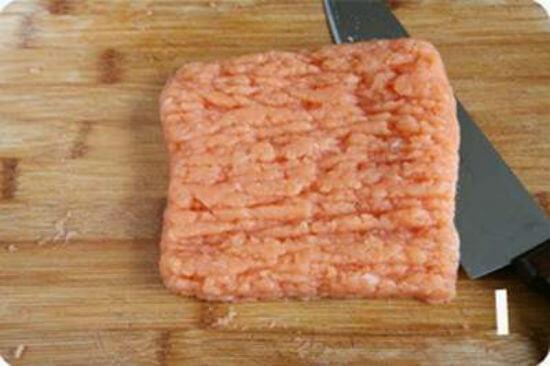 Cách nấu canh cá hồi bí đao ngon 2