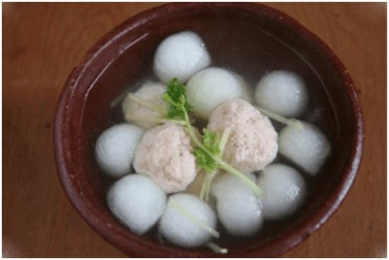 Cách nấu canh cá hồi bí đao ngon 9