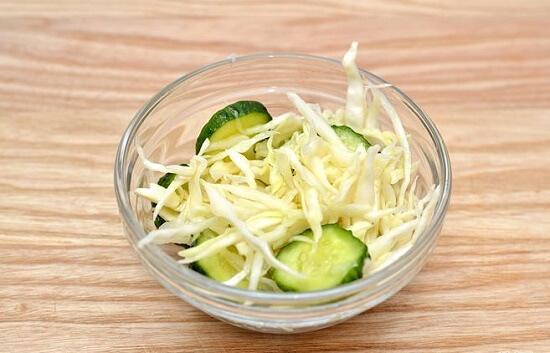 salad rau củ chua