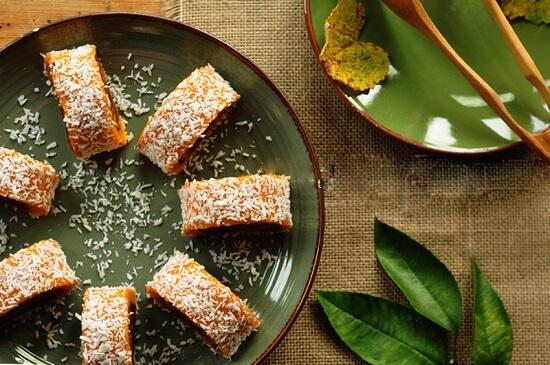 bánh cuộn bí đỏ bột nếp  thơm ngon