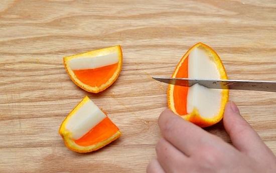 cắt kẹo thành nhiều phần