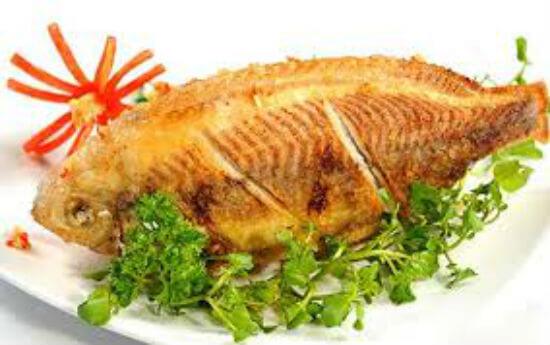 Mẹo chiên cá vàng thơm mà không dính chảo1