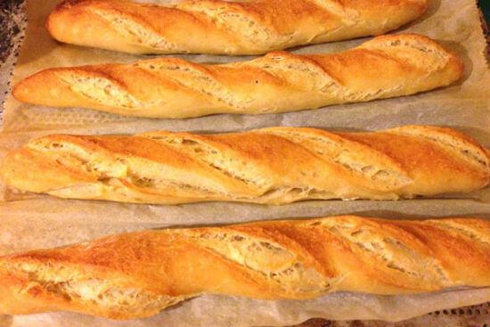 Cách làm bánh mì Pháp Baguette ngon như ngoài hàng 8