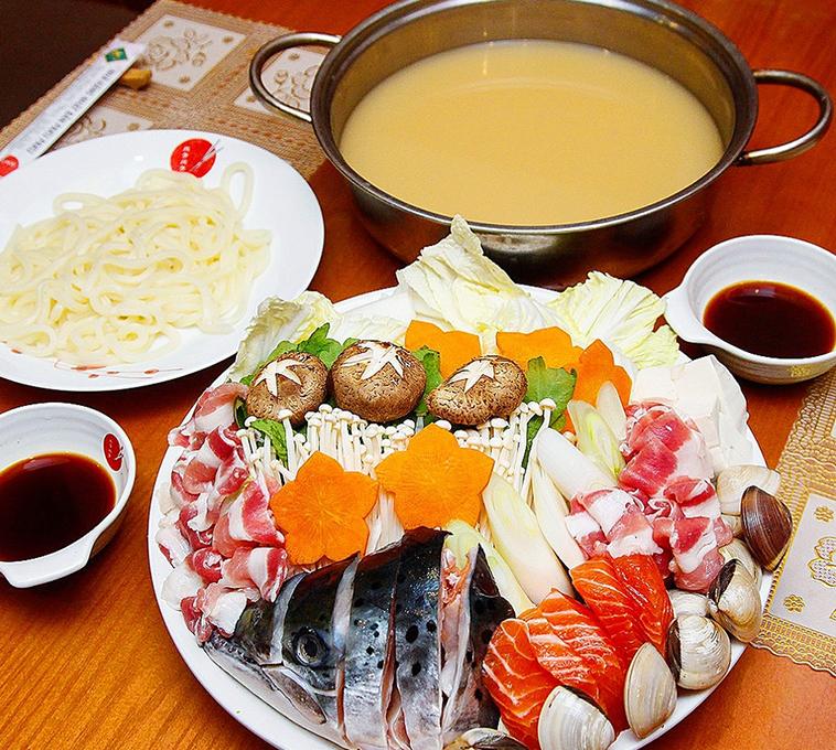 lẩu chua cá hồi, Top 4 cách nấu lẩu chua cá hồi chuẩn vị không tanh dễ làm