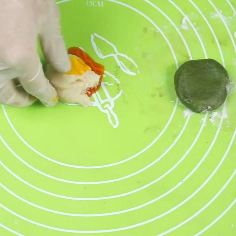 Bước 3 Nhồi bột màu Bánh trung thu lava socola