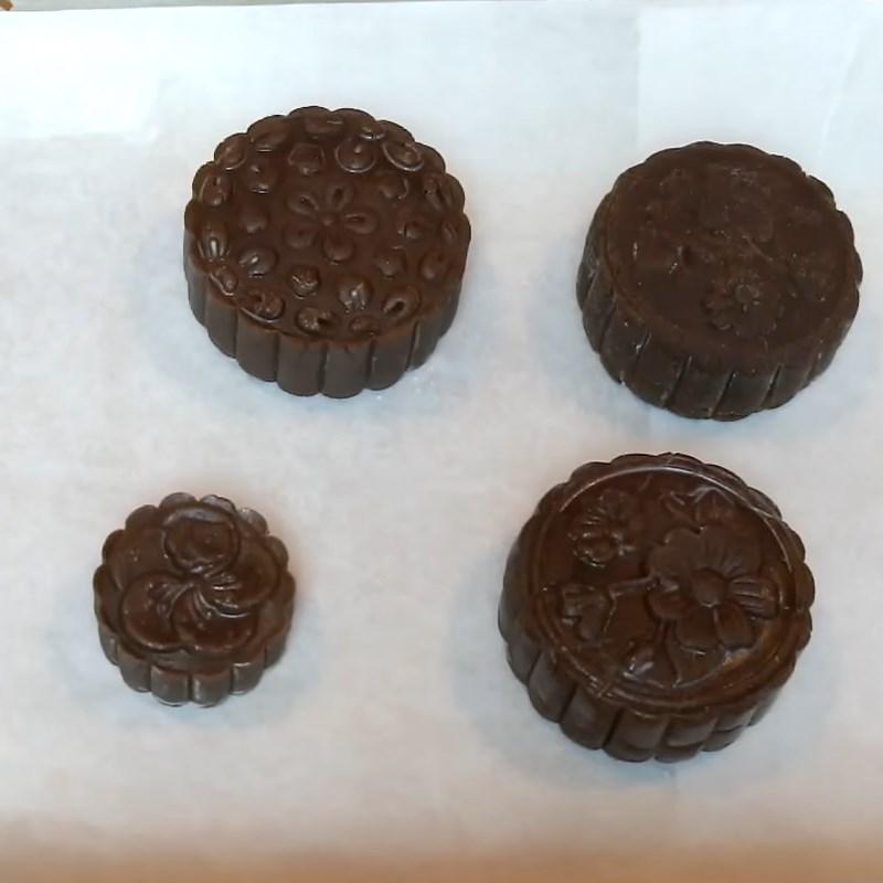 Bước 7 Nướng bánh Bánh Trung Thu socola nhân đậu xanh