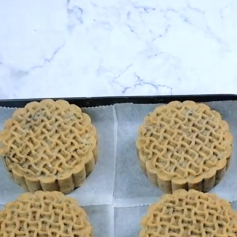 Bước 6 Nướng bánh Bánh Trung Thu nhân oreo